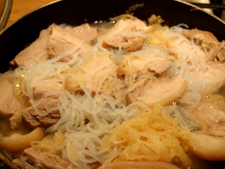 Pork_belly_sauerkraut_stew
