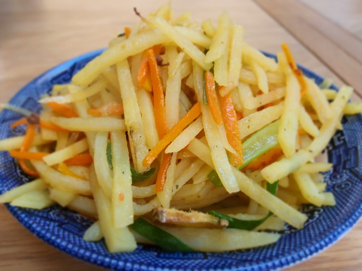 Shredded_Potato_strips_Stir_fry_with_vinegar
