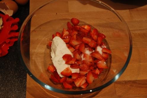 Strawberries_and_cream_cupcakes