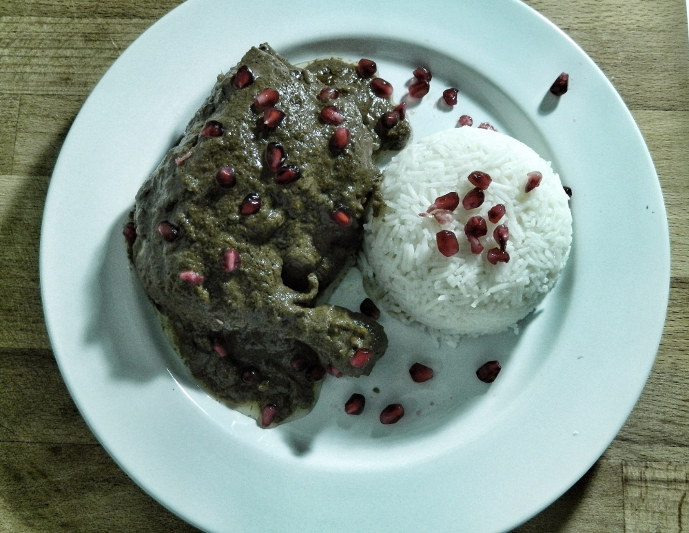 Walnut_Pomegranate_Chicken_Fesenjoon_recipe_